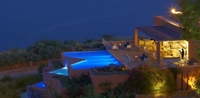 Domes of Elounda - Luxurious suites with private pools overlooking the Spinalonga