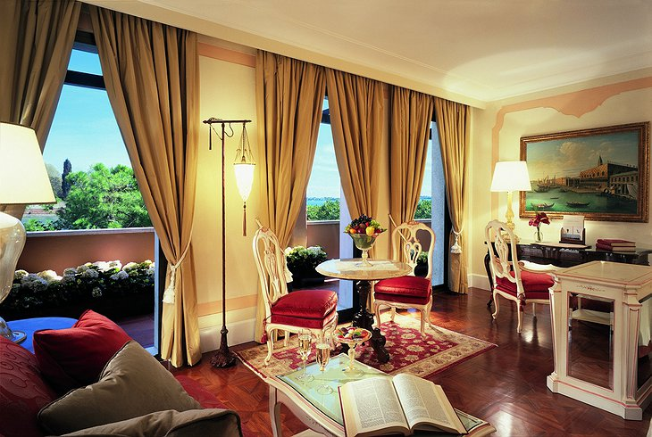 Belmond Hotel Cipriani room with terrace