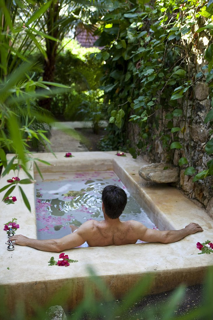 Hacienda Uayamon plunge pool