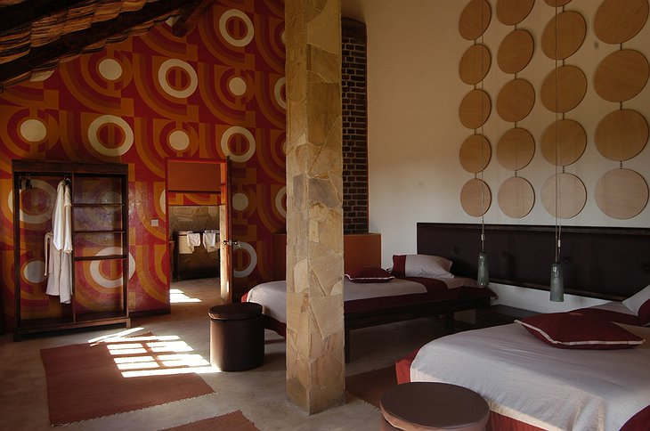 Hatari Lodge design room