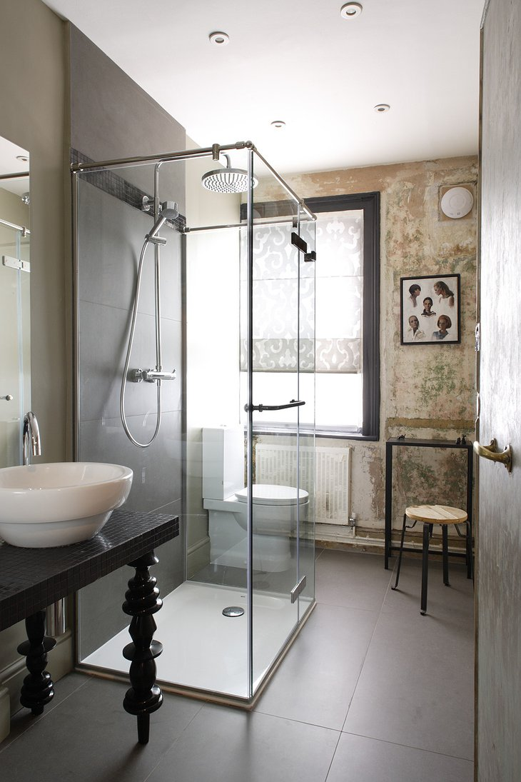 Rough Luxe Hotel shower