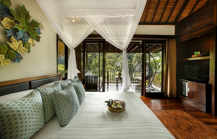 Nandini Jungle Resort Sunrise View Villa Bedroom