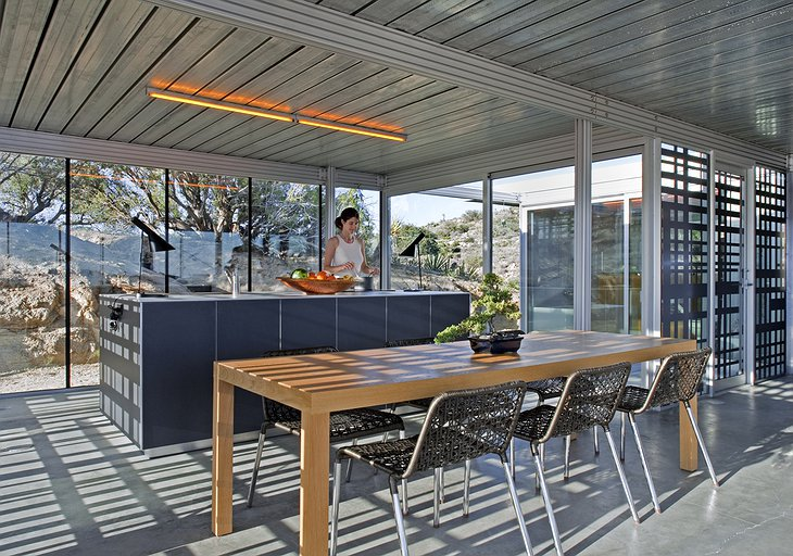 Off-grid itHouse kitchen