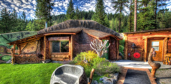 The Shire of Montana Hobbit House - It Could Be Hobbit-Forming