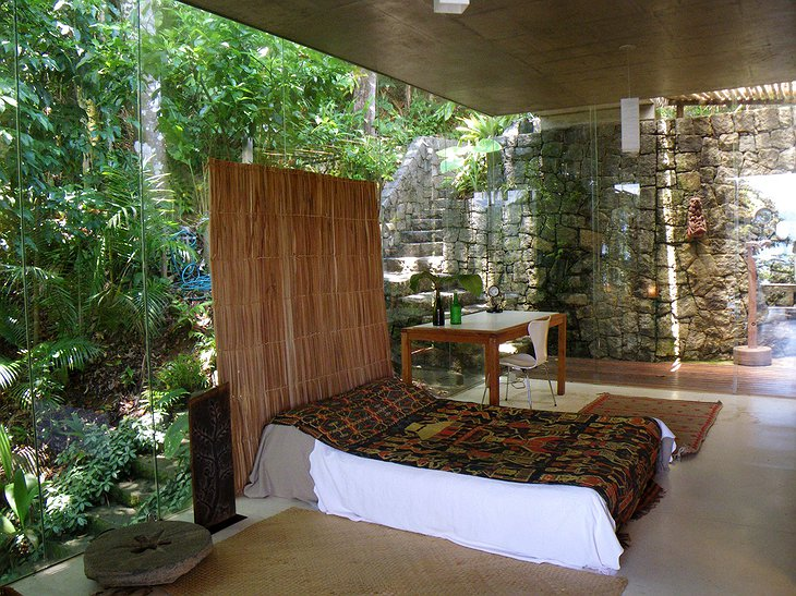 Bedroom in the jungle