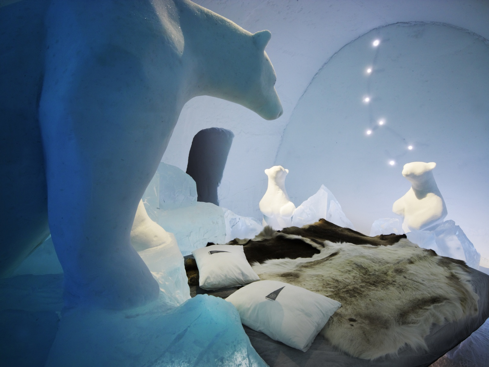 icehotel nice ice baby. Black Bedroom Furniture Sets. Home Design Ideas
