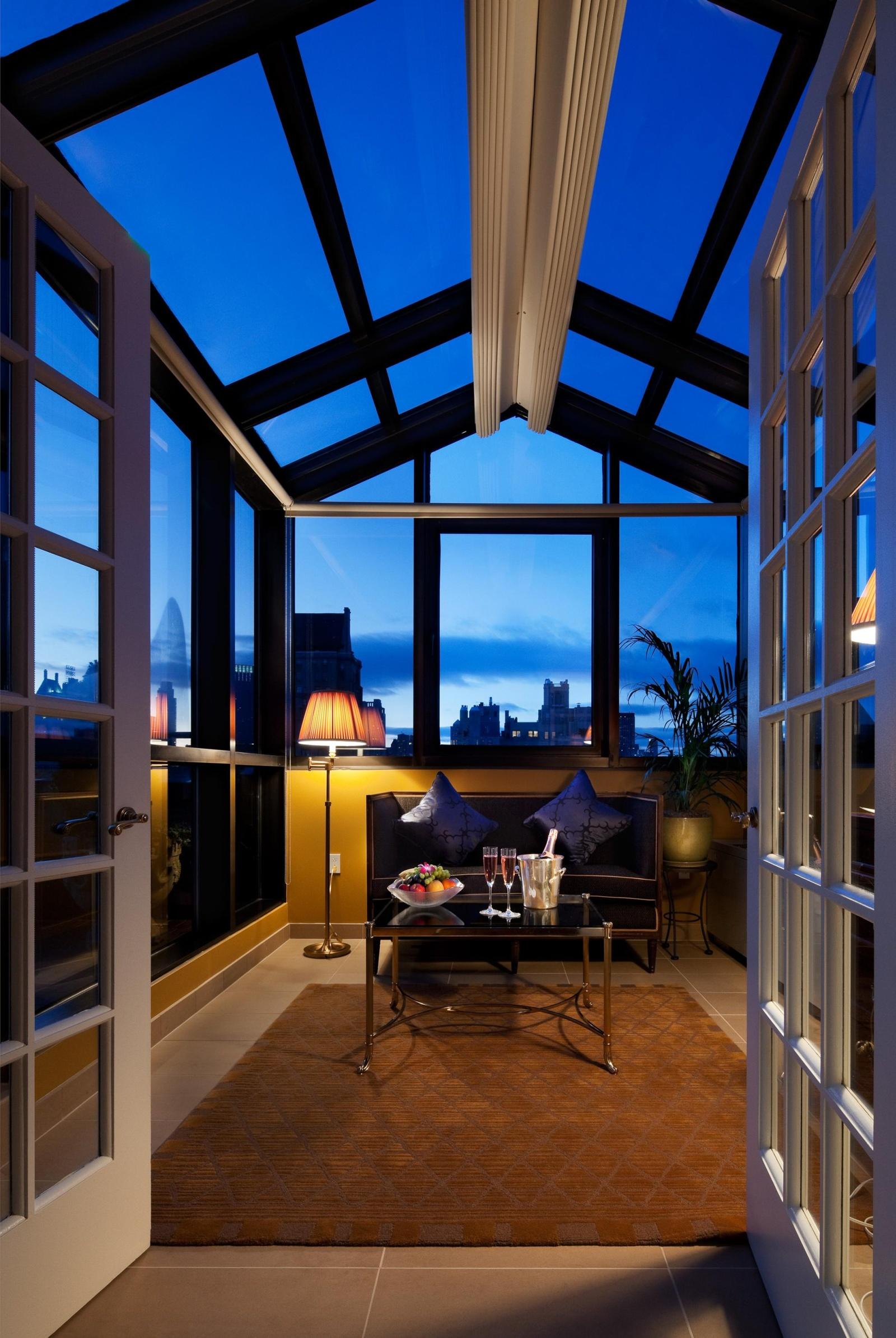 hotel plaza athenee new york. Black Bedroom Furniture Sets. Home Design Ideas