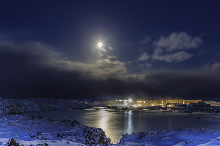 Blue Lagoon Iceland resort at night