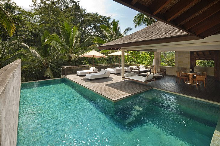 Retreat Villa pool