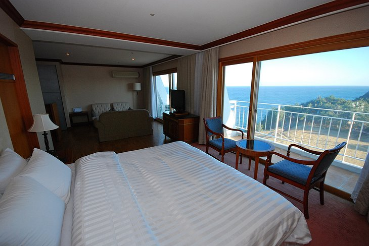 Sun Cruise Resort room with sea view