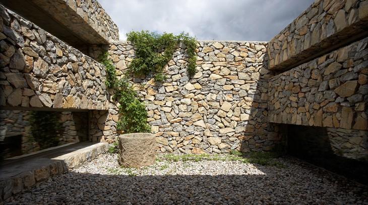 Son gener romantic spain in this farmhouse - Imagenes de muros de piedra ...