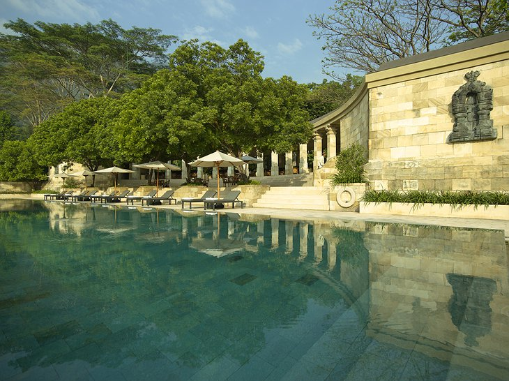 Amanjiwo swimming pool