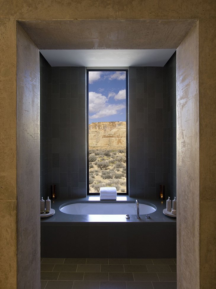 Amangiri Villas bathroom with view to the desert