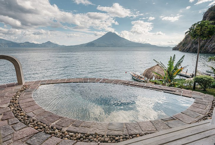 La Fortuna at Atitlán jacuzzi with lake view
