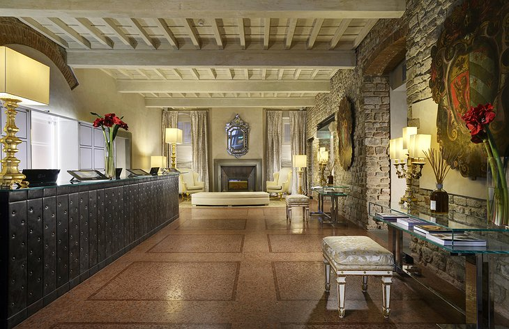Hotel Brunelleschi reception
