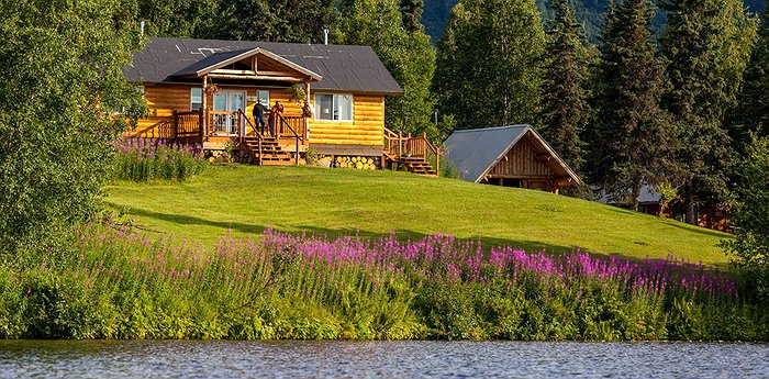 Winterlake Lodge - Traditional Alaskan Log Cabins