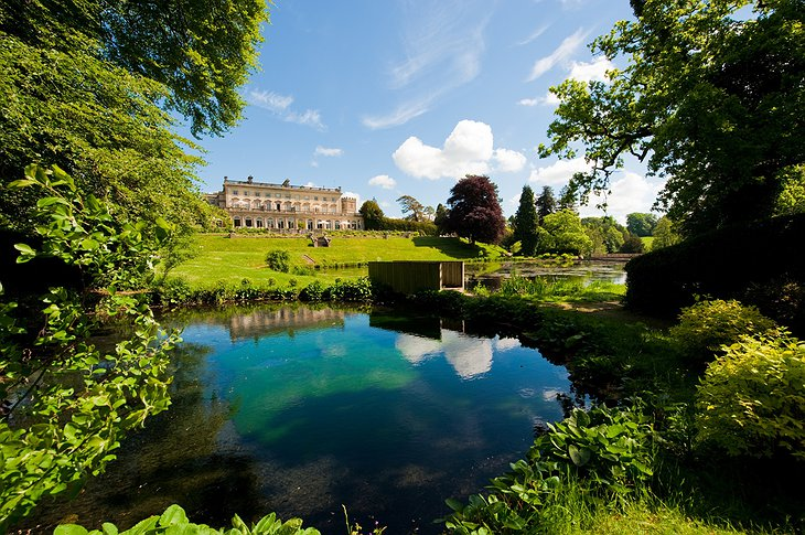Cowley Manor and a pond