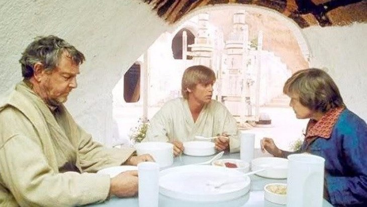 Luke Skywalker having lunch with his Aunt and Uncle