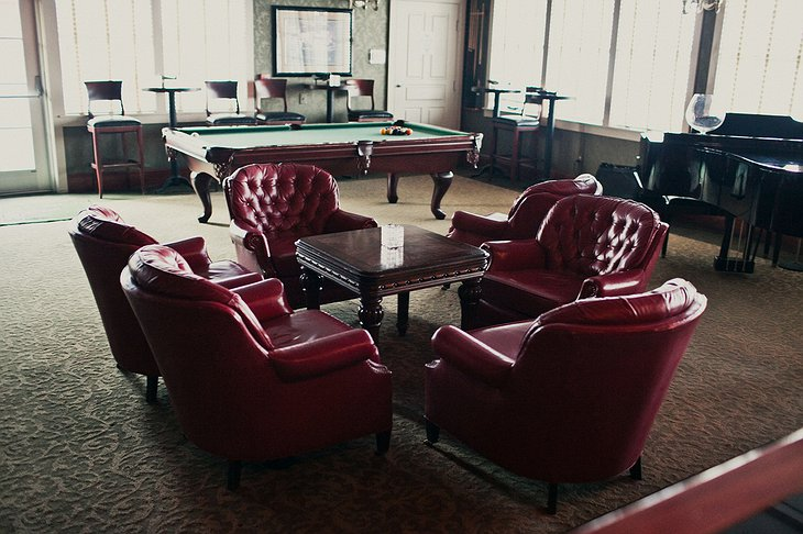 Hangar Hotel officers club seating