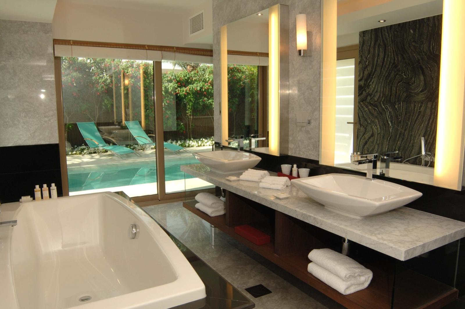 Big Luxury Bathroom