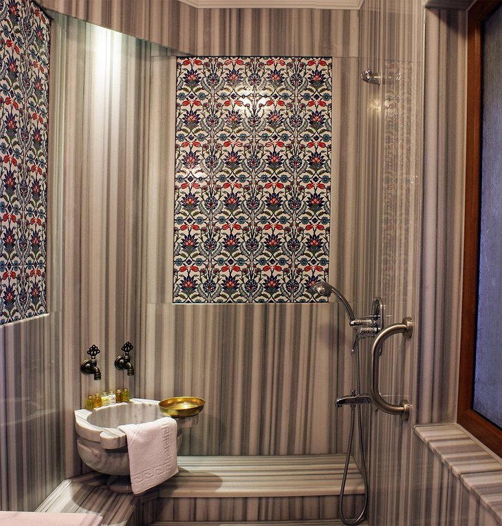 Ottoman design bathroom
