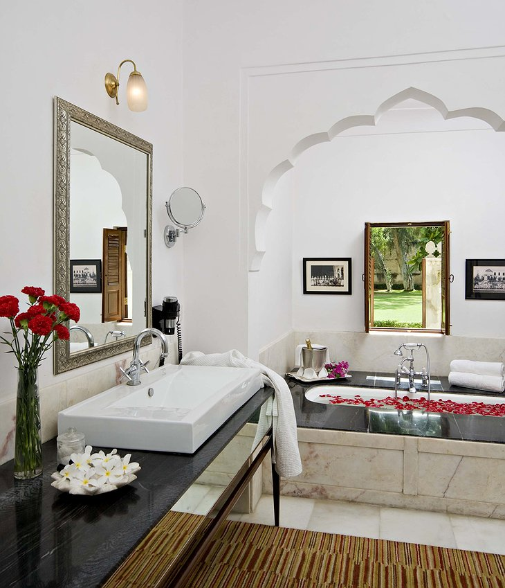 Samode Haveli bathroom