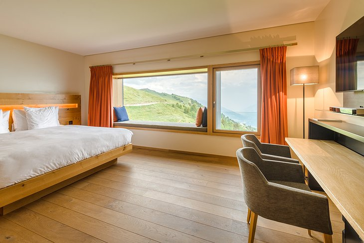 Hotel Chetzeron bedroom with mountain view