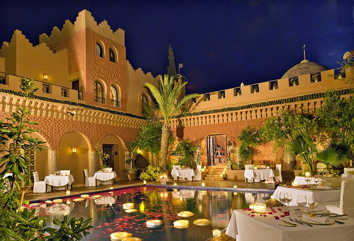 Kasbah Tamadot dining around the pool