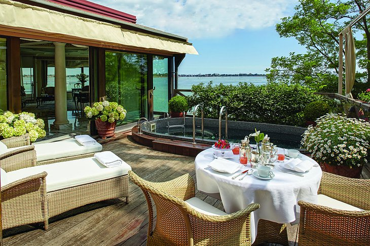 Belmond Hotel Cipriani rooftop private pool