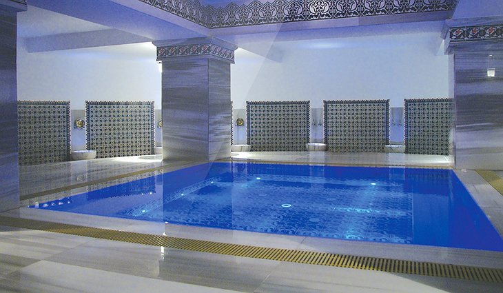 Hotel Marmara Antalya indoor pool