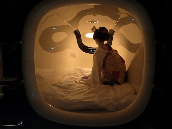 Sleeping in the capsule