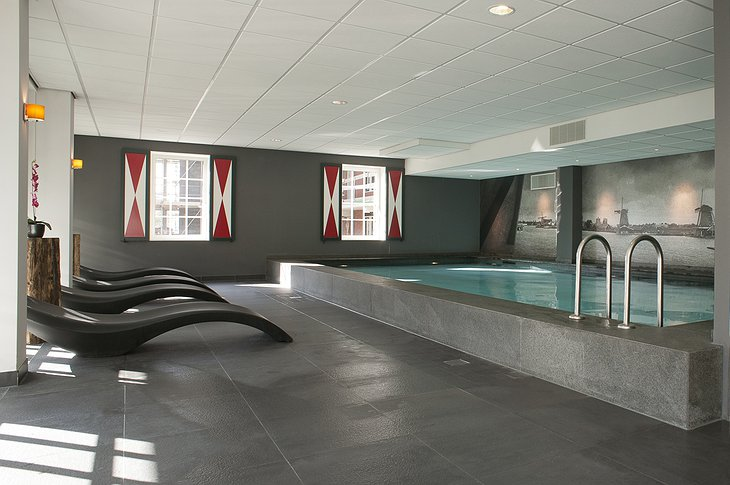 Inntel Hotels Amsterdam Zaandam swimming pool