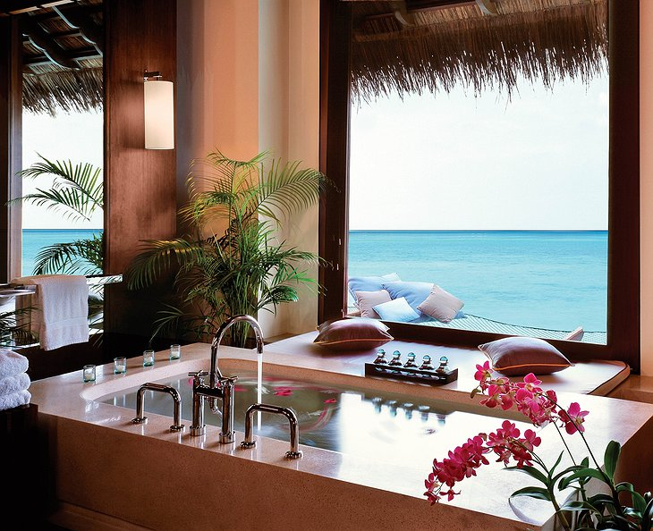 Reethi Rah bathroom with ocean views