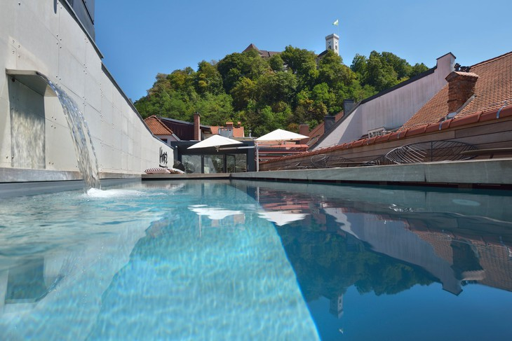 Vander Urbani Resort rooftop pool