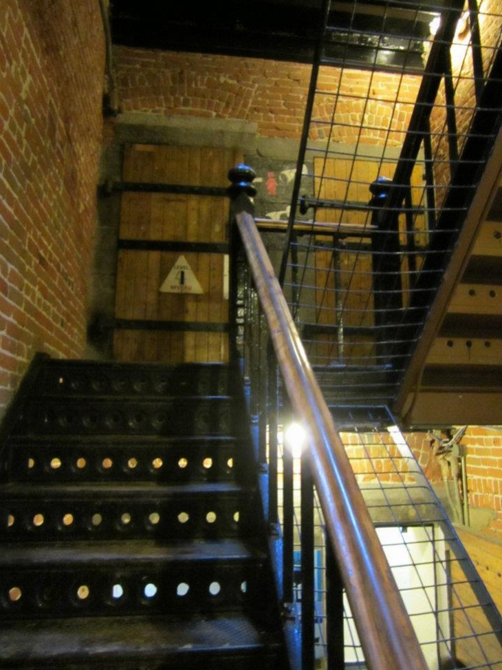 Ottawa Jail Hostel stairs