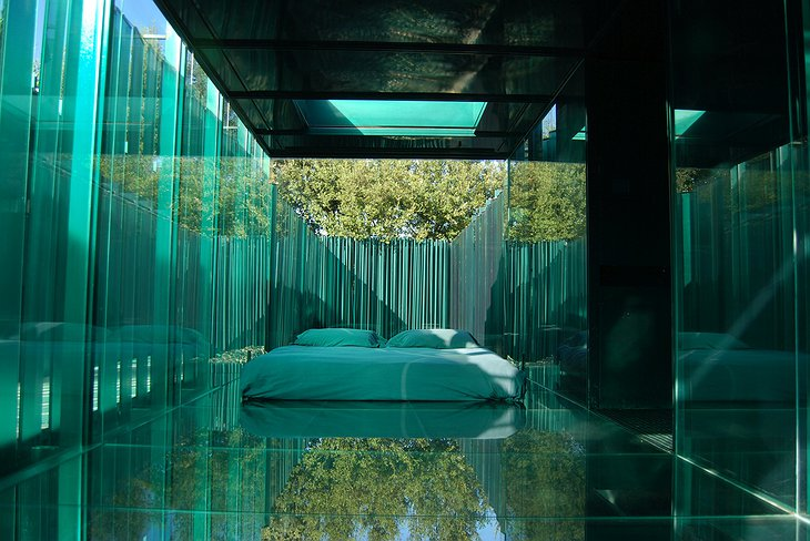 Les Cols Pavellons Glass Bedroom