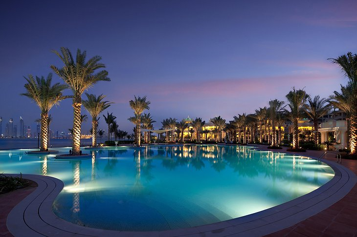 Kempinski Palm Jumeirah swimming pool