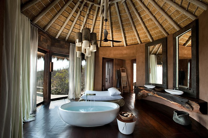Leobo Private Reserve bathroom