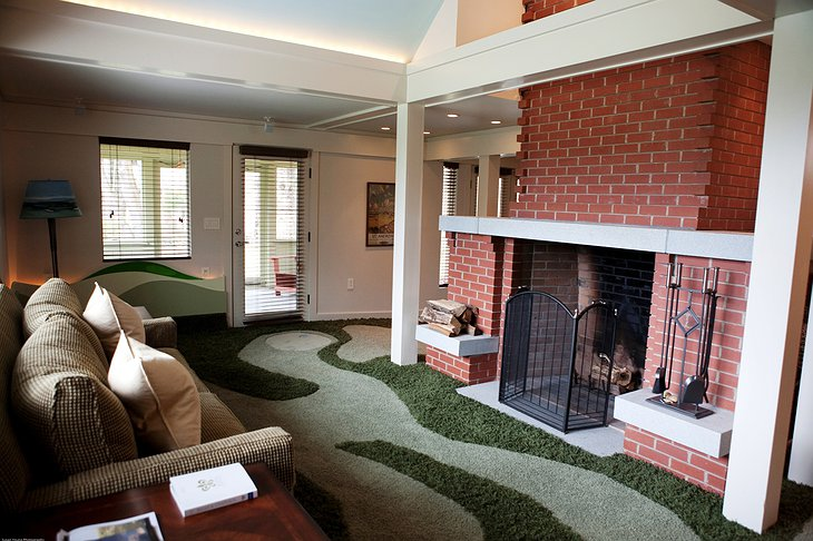 Golf Cottage interior