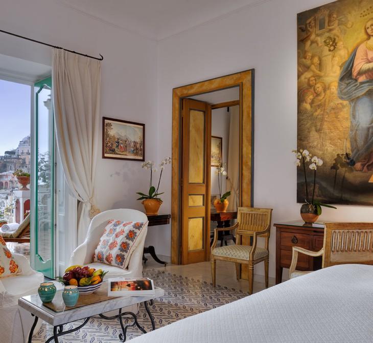 le sirenuse hotel  u2013 glamour with nice curtains