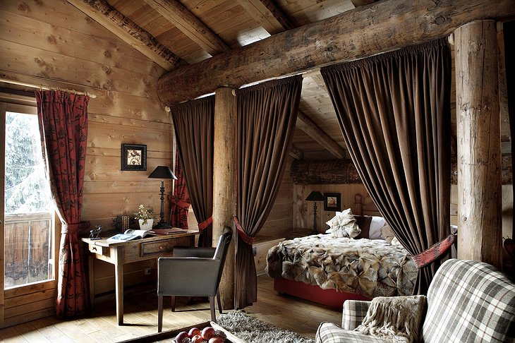 Les Fermes de Marie luxury bedroom