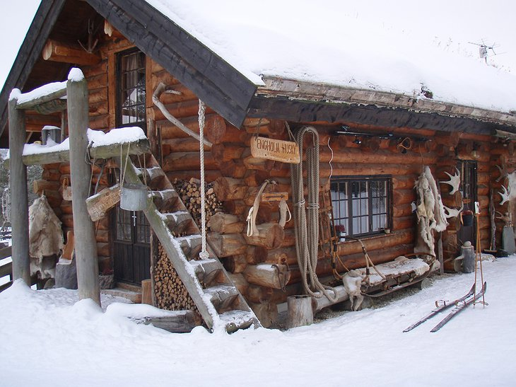 Engholm Husky Design Lodge building