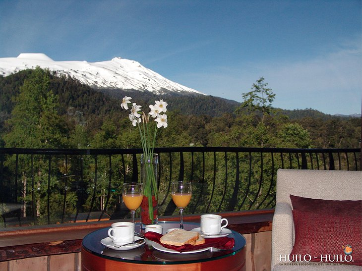 Hotel Baobab terrace with view on mountain