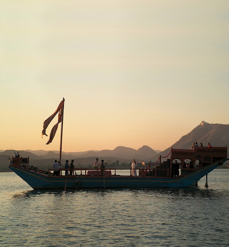 Boat on lake Pichola