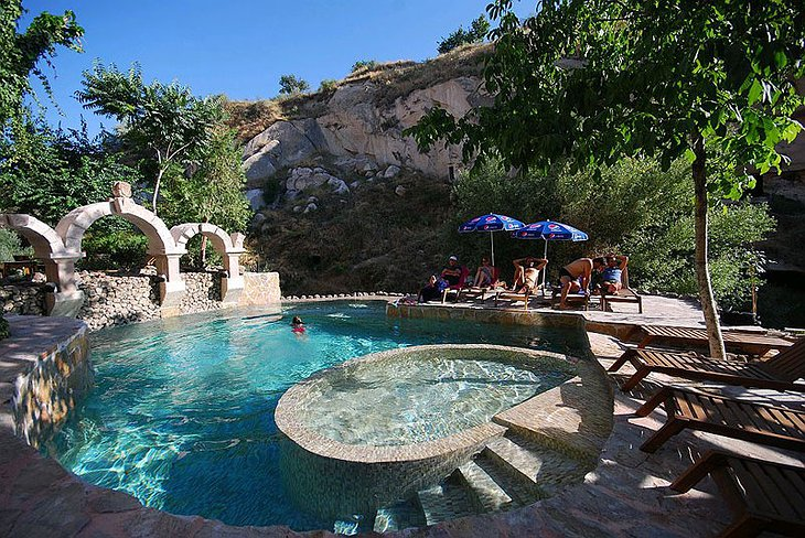 Gamirasu Cave Hotel swimming pool