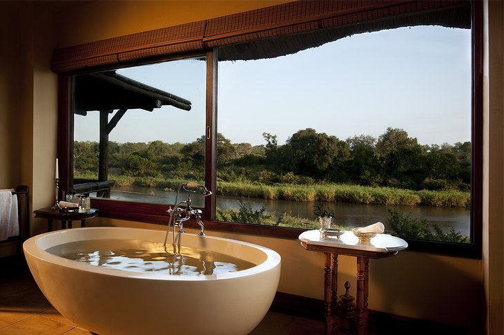 Narina Lodge - Bathroom