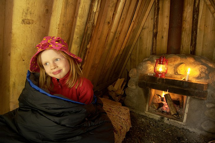 Small girl in the hut
