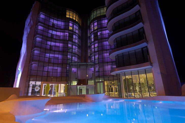 i-Suite Hotel Rimini with pool at night