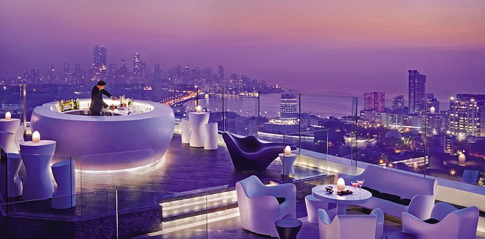 Four Seasons Hotel Mumbai - Epic Rooftop Bar With Skyline Panorama