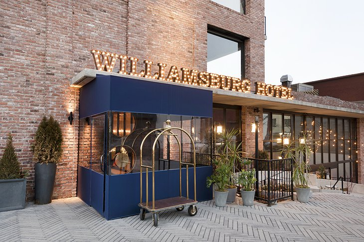 The Williamsburg Hotel entrance